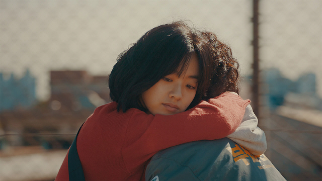 '메기', '곡성'과의 연결고리..믿음에 관한 가장 독창적인 영화들
