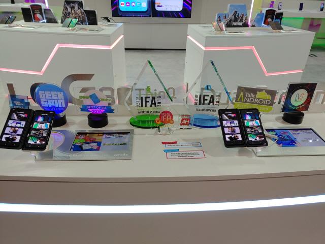 삼성 갤폴드·LG 듀얼스크린폰 '최고' 평가…IFA 휩쓴 삼성·LG