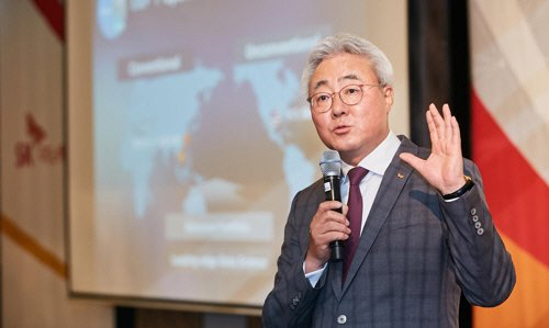 '배터리 분쟁' LG-SK 첫 CEO 회동…입장차만 확인