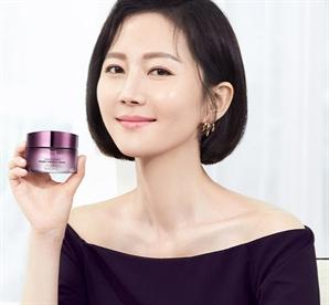 """토스 '염정아 압축크림' 행운퀴즈 정답 공개…""""보랏빛 탄력에너지 경험하세요"""""""