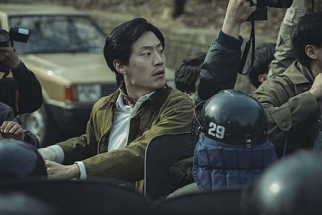 '신문기자' 심은경, 진실을 밝히기 위한 열정 폭발 기자 캐릭터로 시선 집중