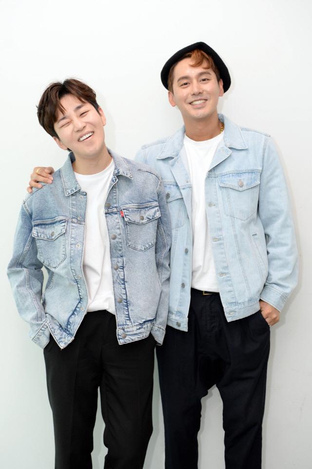 '오빠네 라디오' 김상혁X딘딘, 광화문에서 첫 오픈 스튜디오 개최