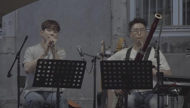 '비긴어게인3' 폴킴, 바수니스트 유성권과 콜라보 버스킹 공개..'뭉클한 감동'