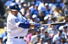 '베이브 류스' 류현진, MLB 첫 홈런에 마운드서도 '호투'