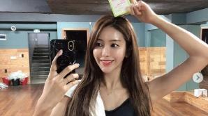김연정, 브라탑 S라인 몸매 공개하고는 '다이어트 선언?'