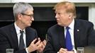 """""""삼성과 경쟁에 불리""""... 트럼프, 애플에 관세 면제"""