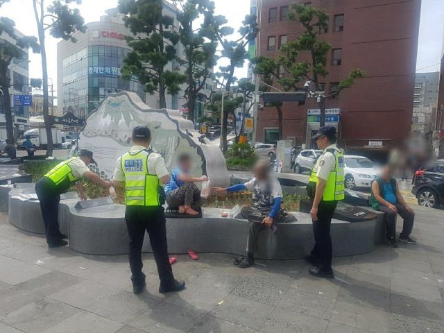 [자치경찰, 치안시스템의 대전환]주취자 점령 '탐라문화광장' 시민 품에 돌려준 자치경찰