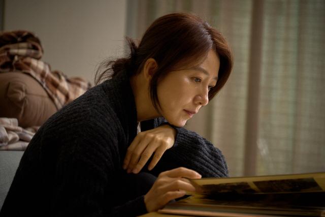 '윤희에게' 김희애, 장르 최적화된 눈빛과 연기력..11월 개봉