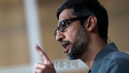 """구글 CEO """"인공지능에 대한 성급한 규제 경계해야"""""""