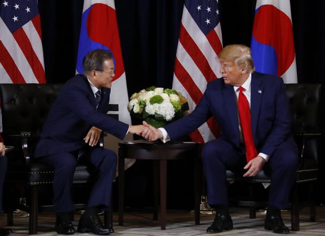 트럼프 '질문 독점' 논란에 靑 '질문 수가 결례? 외교 상식 없는 것'