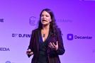 """[D:FINE]페이스북 정보 유출 폭로한 브리타니 카이저 """"데이터 주권법 만들자"""""""