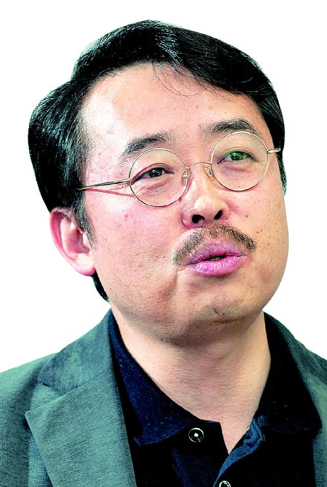 [권홍우 칼럼]비이성과 반논리, 몰역사의 방위비 분담금 증액 요구