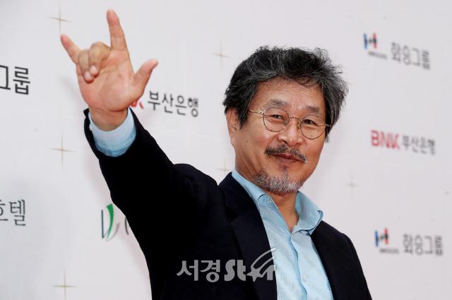 [종합] '기생충' 부일영화상 6관왕..기주봉·전도연 남녀주연상