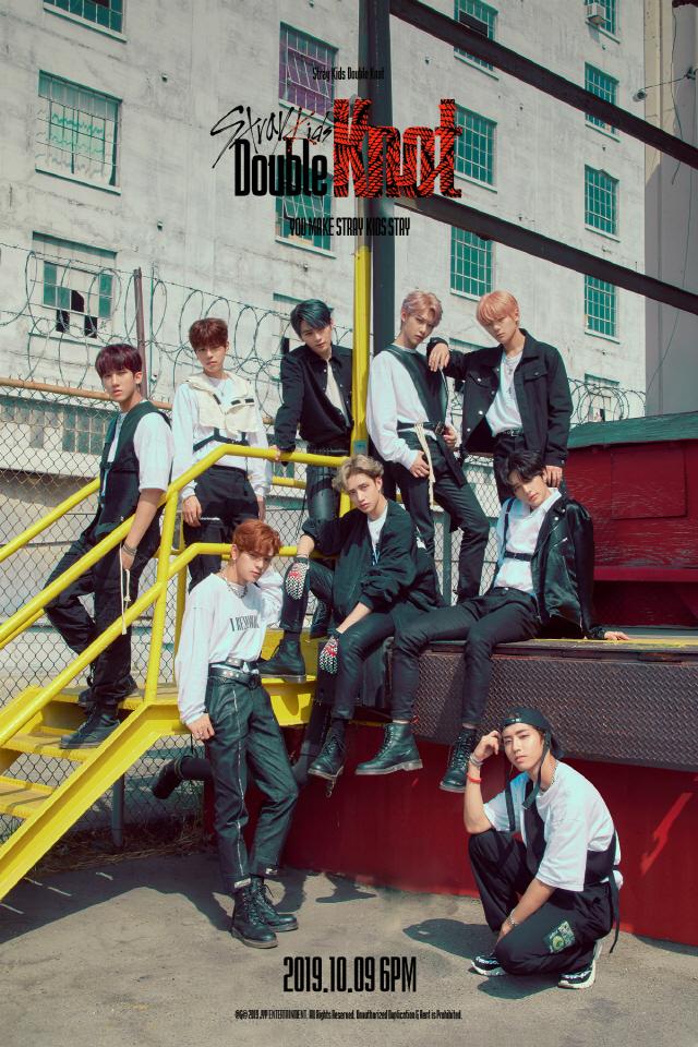스트레이 키즈, 신곡 'Double Knot' 단체 포토 공개..'강렬 존재감'