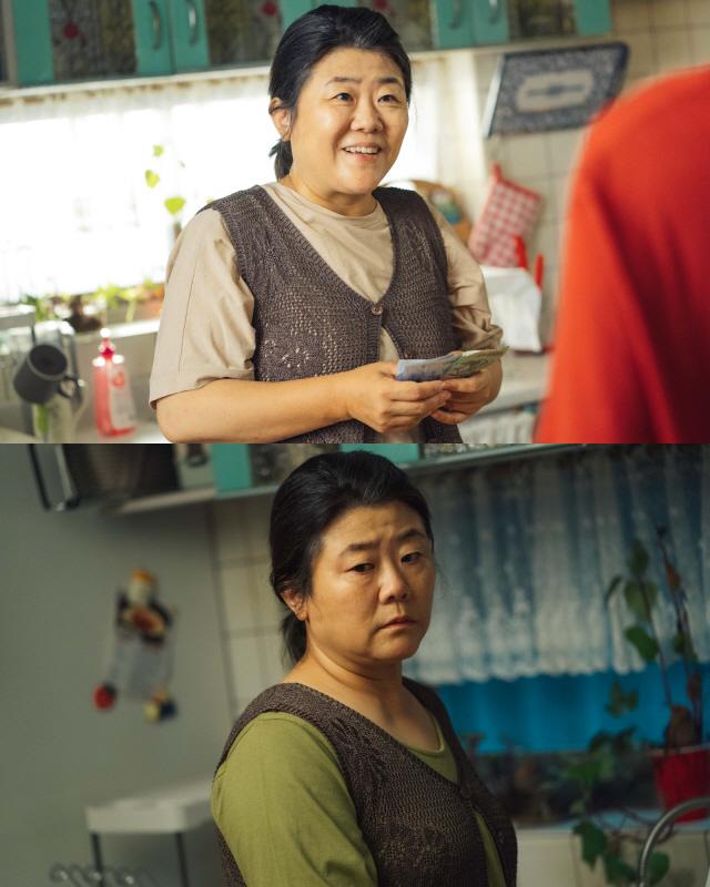 '동백꽃 필 무렵' 공효진 엄마 이정은, 27년 만에 돌아왔다...딸에게 해 줄 딱 하나는?