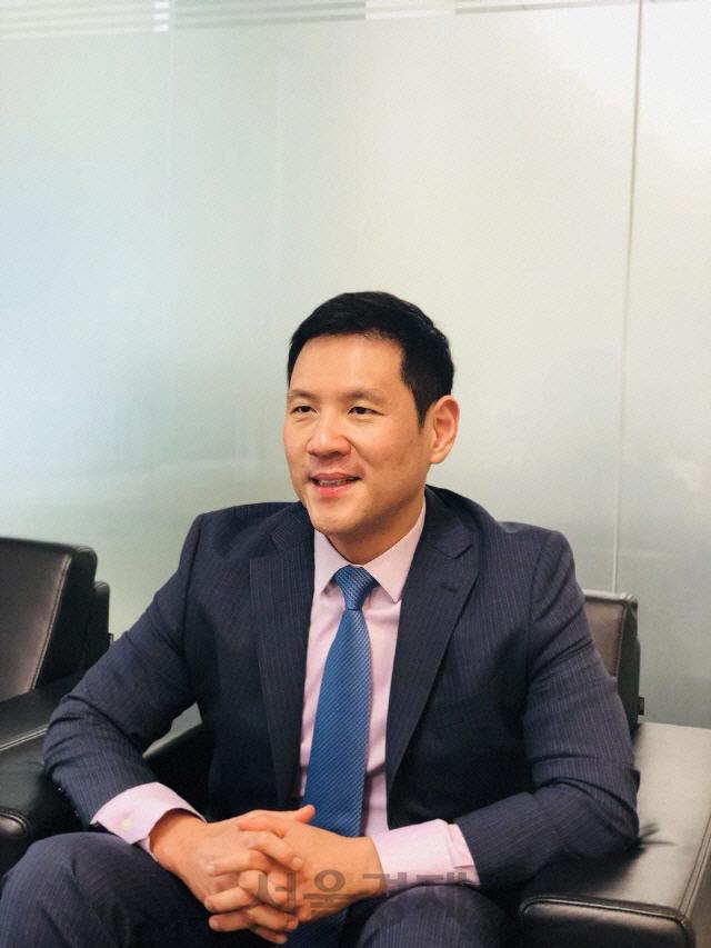 [시그널] JC파트너스-B&H 컨소시엄, 반도체 조립·설비업체 에이엠티 지분 45% 인수