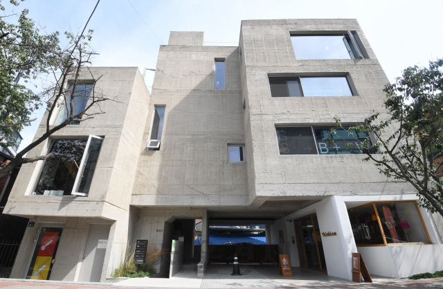 [건축과도시]서울 누하동 '무목적' 오래된 동네 한복판, 낯설지 않은 '콘크리트 도시'