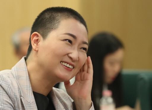 '삭발' 이언주 '유시민, 양심이 유체이탈…노무현 전 대통령 내세워 자기 정치'