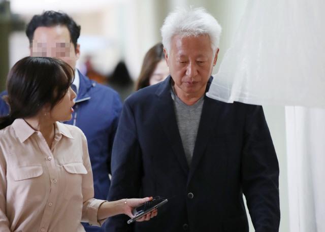 '성희롱 들으려고 연세대 온 적 없다' 연세대 학생, 류석춘 교수 파면 촉구