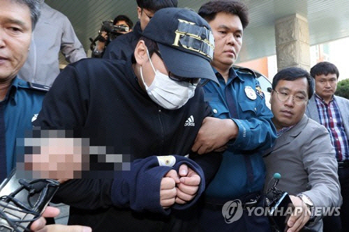 전국 떠들썩하게 한 '광주 의붓딸 보복살인' 부모 모두 징역 30년