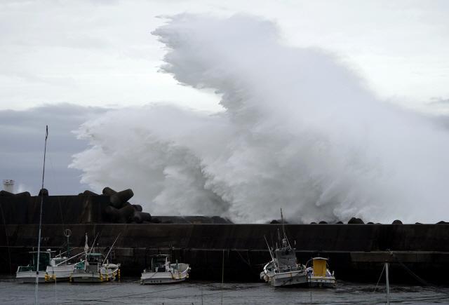 '괴물 태풍' 하기비스에 日 21명 사망·행불…일본 태풍피해 속출