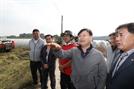 김경규 농진청장, 안성 우리 벼 품종 수확 현장 방문