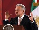 멕시코 정부 '총알 아닌 포옹' 전략 통할까…범죄조직에 경찰 13명 사망