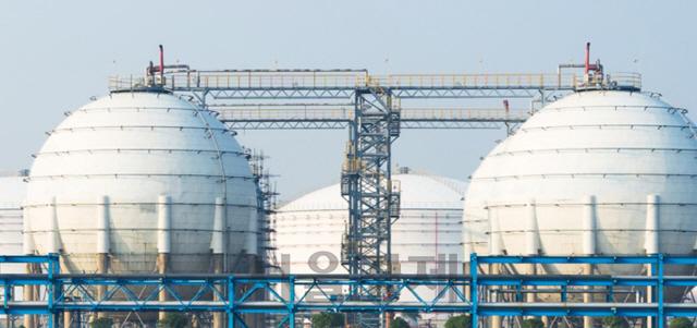 [시그널] SK가스, 울산 석유·LNG 터미널 사업 참여 검토…LNG 발전 시너지 노린다