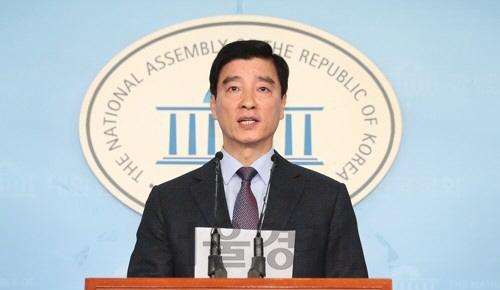 민주당, '윤석열의 한겨레 고소, 재고해야'