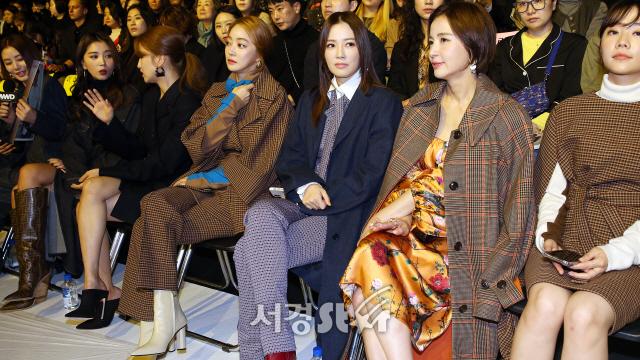 지춘희 미스지 컬렉션, 핫한 셀럽들 모습 드러내 (2020 S/S 서울패션위크)