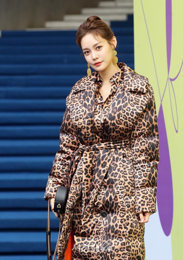 안현모, 사랑의 눈빛 한가득 (2020 S/S 서울패션위크)