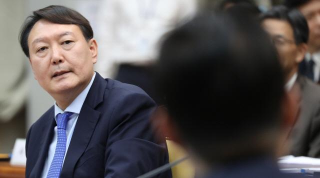 윤석열 'MB정부 쿨했다' 발언 해명… '文정부도 말하려다 끊겨'