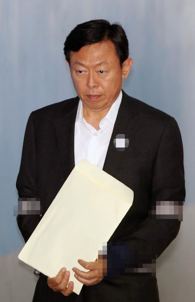[서초동 야단법석] '강요 피해자' 아닌데 자유 얻은 신동빈... 대법원 '재벌 봐주기' 논란