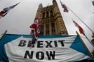 EU-英 사이 국경이 2개? 달라진 브렉시트 합의안