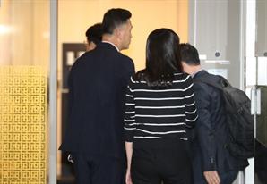 [뒷북정치]檢 끝에 걸린 한국당…총선 국면 앞두고 '폭풍전야'