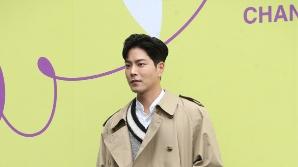 홍종현, 가을 분위기 물씬 (2020 S/S 서울패션위크)