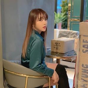 """홍진영, 눈빛만 봐도 섹시폭발 """"이런 모습 얼마만이야"""""""