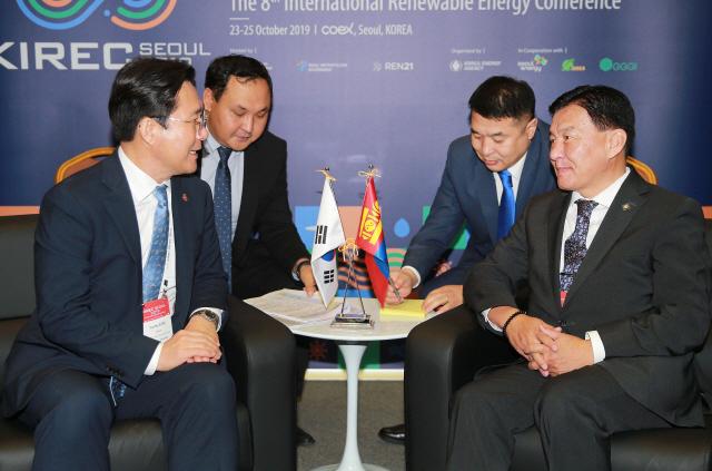 성윤모 산업부 장관, 몽골 에너지부 장관과 면담