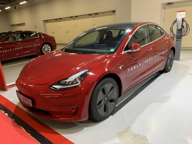 [세모탈] '테슬라 모델3'과 첫만남…이것은 자동차인가, 스마트기기인가