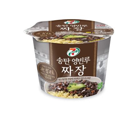 [솔직체험기 라이프까톡]제품개발 전과정에 '70여년 노하우' 슥슥…진한 유니짜장 맛·풍미 후루룩