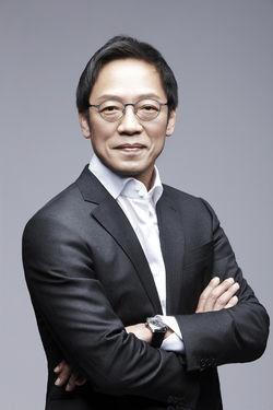 정태영 '뚝심'..현대카드, 베트남 금융사 'FCCOM'지분 인수