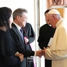 """프란치스코 교황, 文대통령 모친 부고 소식에 """"영적으로 대통령님과 함께"""" 애도 (속보)"""