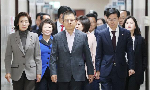 박지원, '보수 대통합' 황교안에 '친박 절대 용납하지 않을 것…자꾸 나락으로 빠져'