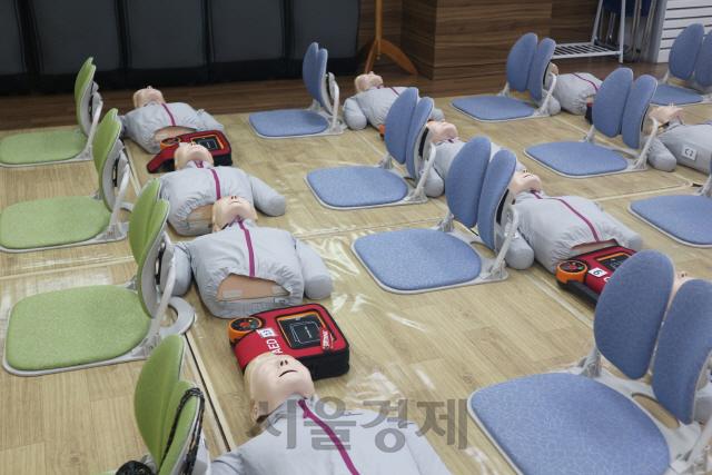 [영상]생명을 살릴 수 있는 골든타임 '4분', 심폐소생술을 배워봤다