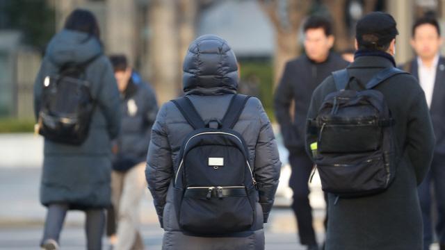 '내 패딩 어딨지?'…수은주 뚝 '입동 추위'에 기온별 옷차림도 '관심'