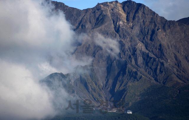 日 규슈 사쿠라지마 화산 폭발…3년만 최대