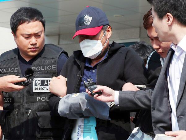 '골프채로 아내 살해' 전 김포시의회 의장 징역 15년