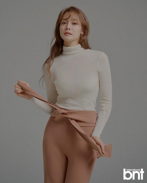 안현모, 성숙하고 고혹적인 화보부터 솔직 인터뷰 공개