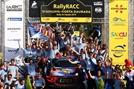 현대차, 도요타 제치고 'WRC 우승컵' 번쩍
