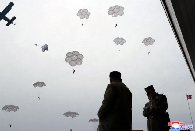 협상 시한 '연말' 앞두고 북미 기싸움 고조